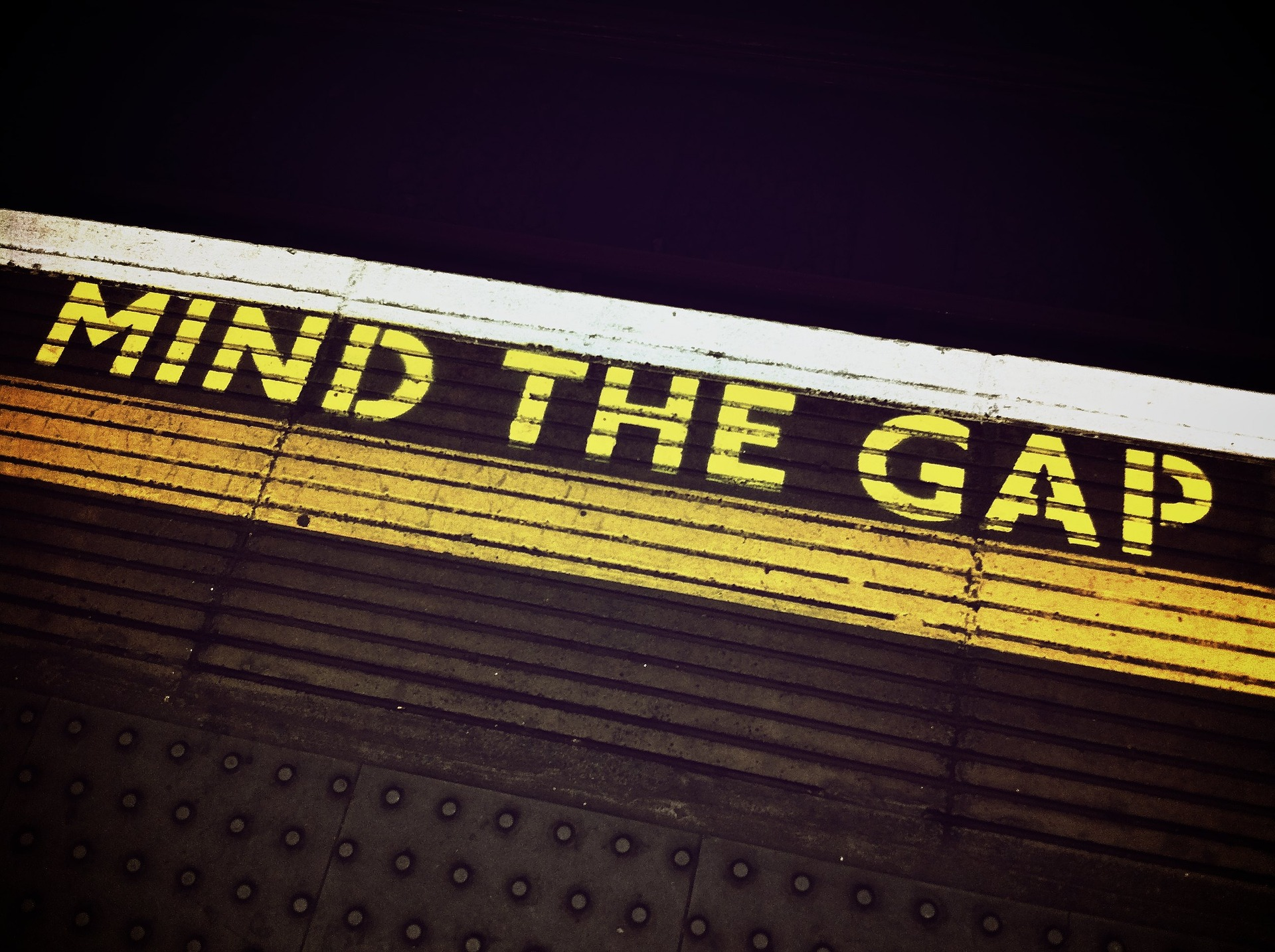 'Smarketing': why you need to bridge the gap between marketing and sales